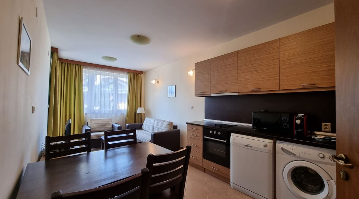 One-bedroom apartment in Pirin Golf (2)