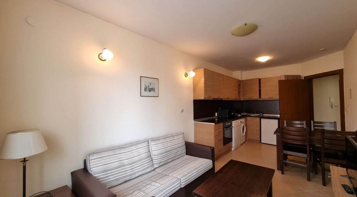 One-bedroom apartment in Pirin Golf (4)