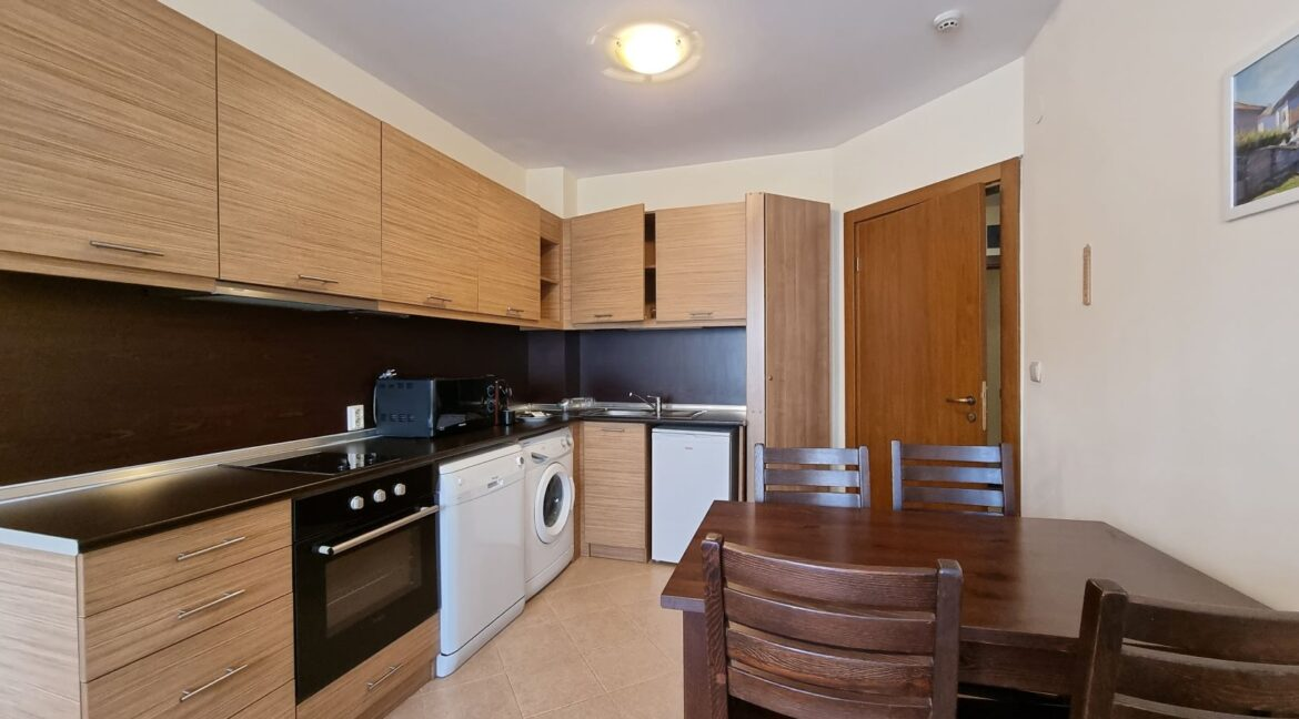One-bedroom apartment in Pirin Golf (7)