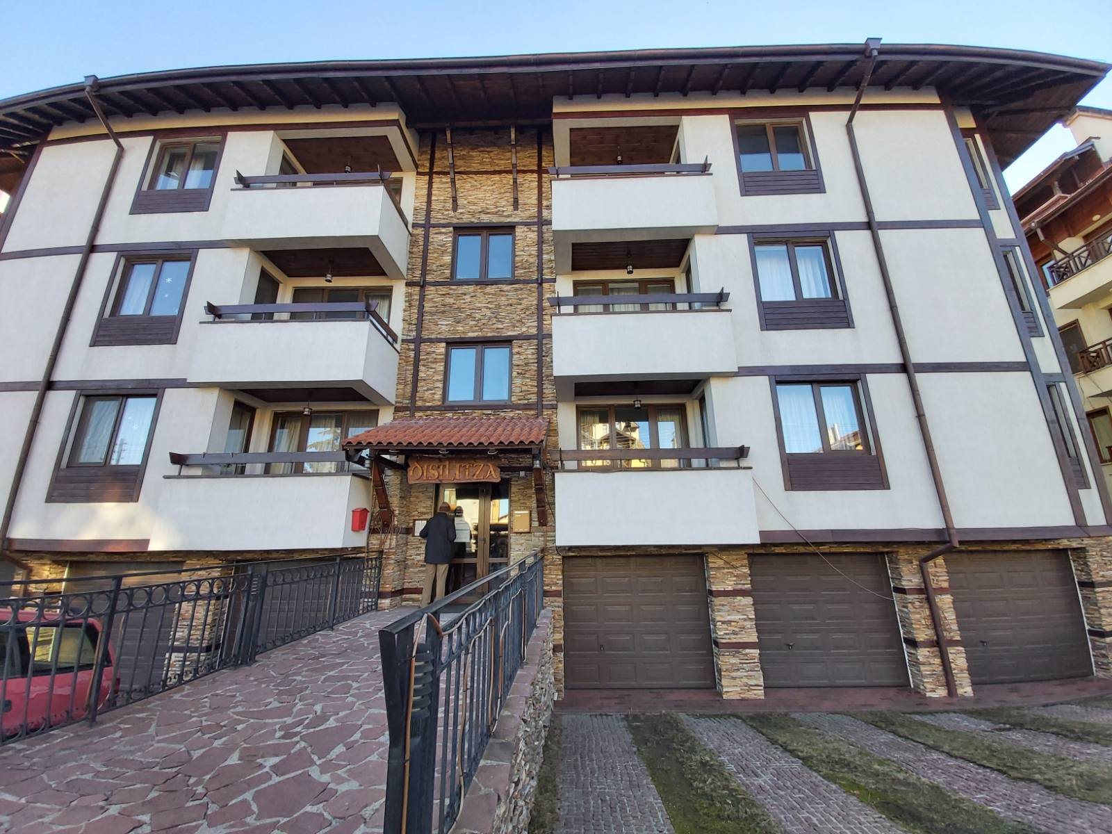 Spacious 2 bedroom apartment with Garage in Bansko