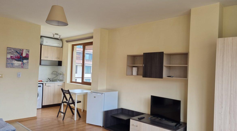 studio in residential building (3)