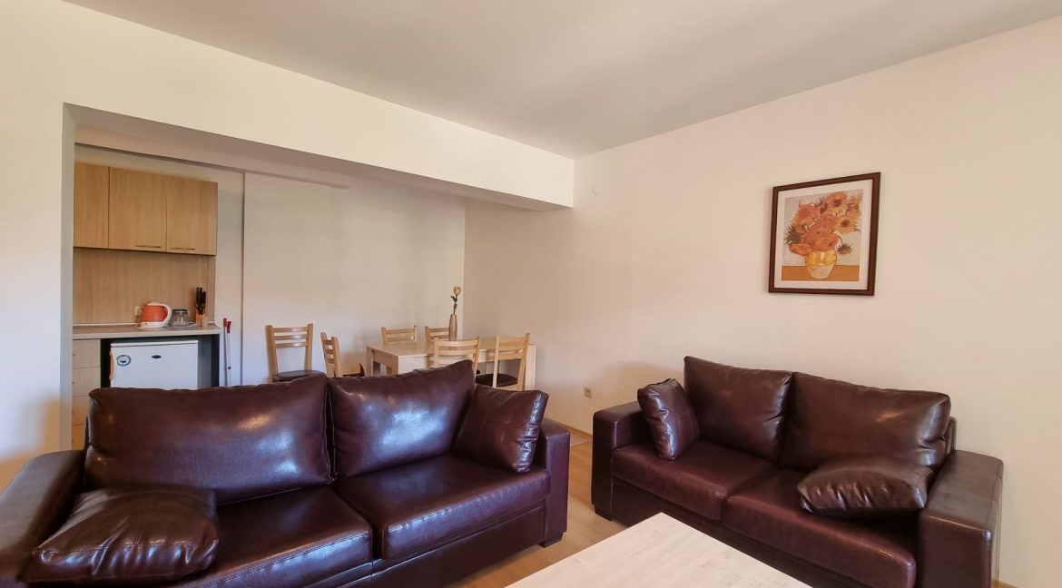 furnished 2 bedroom apartment in aspen golf (11)