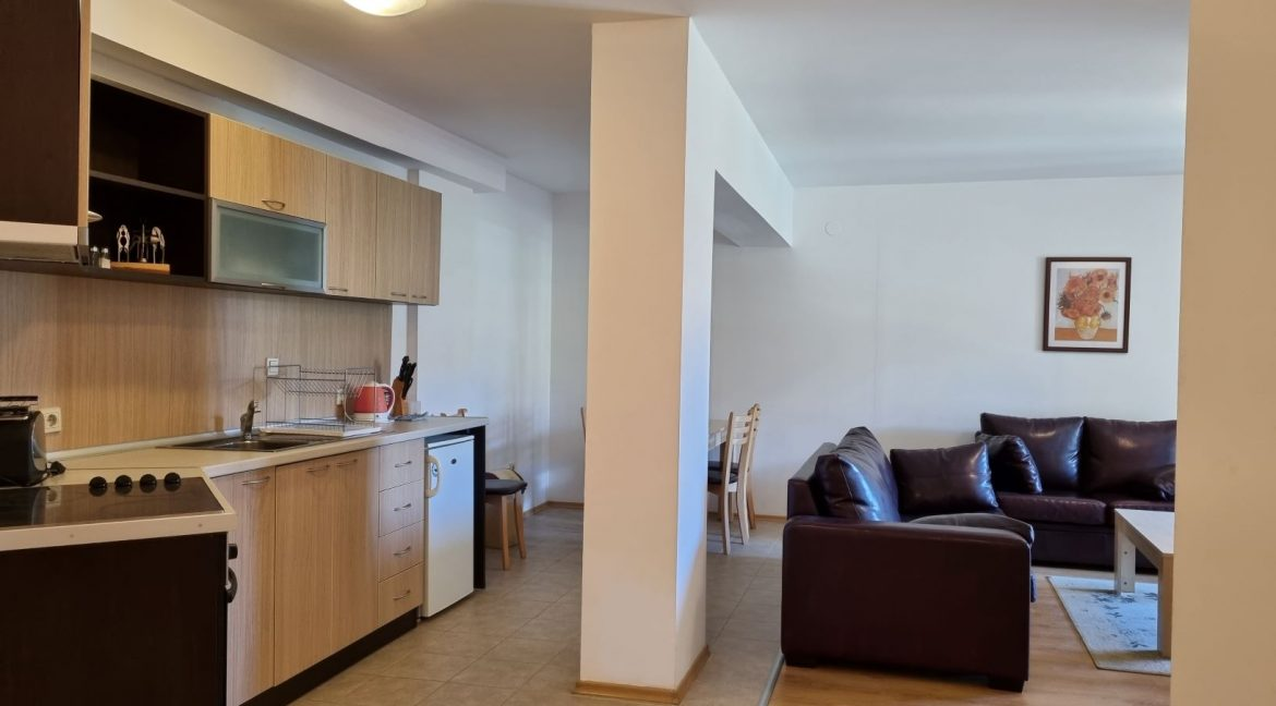 furnished 2 bedroom apartment in aspen golf (15)