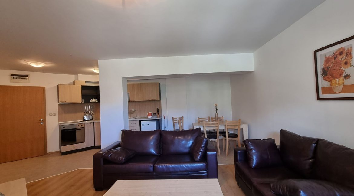 furnished 2 bedroom apartment in aspen golf (9)