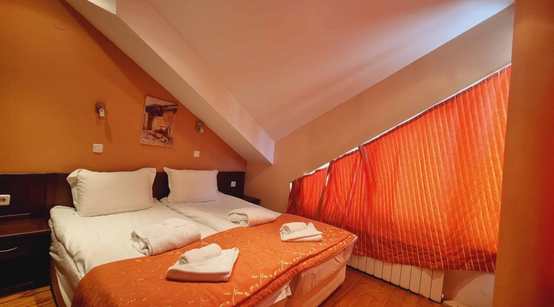 redenka 3 bedroom chalet (41)