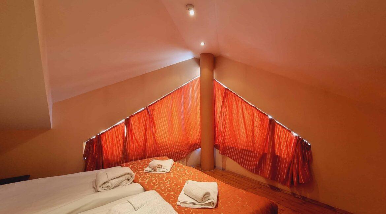 redenka 3 bedroom chalet (42)